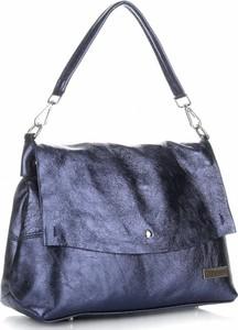 Niebieska torebka torbs