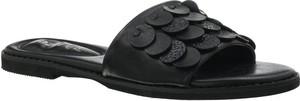 Czarne klapki Jezzi z płaską podeszwą w stylu casual ze skóry ekologicznej