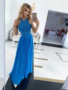 Sukienka E-sukienki.pl maxi z okrągłym dekoltem