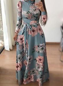 Sukienka Cikelly z okrągłym dekoltem z długim rękawem