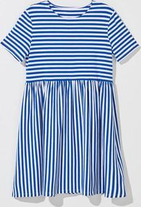 Niebieska sukienka Mohito w stylu casual