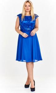 Sukienka Monariss w stylu glamour