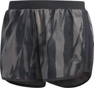 Czarne szorty Adidas w sportowym stylu