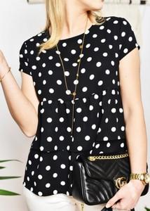 Czarna bluzka Fason w stylu casual z krótkim rękawem
