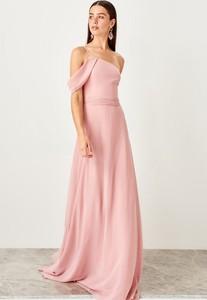 Różowa sukienka Trendyol z krótkim rękawem maxi