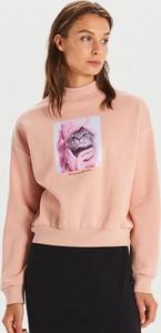 Różowa bluza Cropp krótka w młodzieżowym stylu
