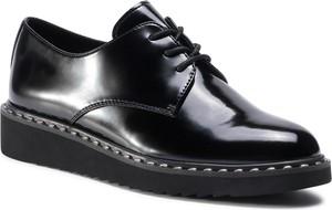 Czarne półbuty eobuwie.pl w stylu casual sznurowane z płaską podeszwą