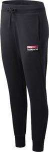 Czarne spodnie New Balance w sportowym stylu z dresówki