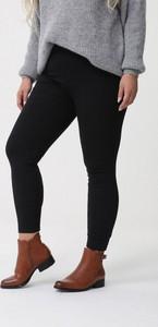 Czarne legginsy born2be w stylu casual z dzianiny