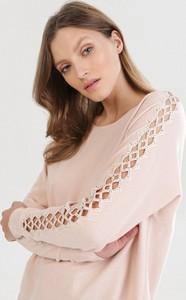 Różowy sweter born2be w stylu casual