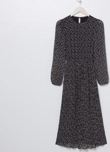 Czarna sukienka Sinsay z długim rękawem z szyfonu