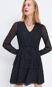 Czarna sukienka Mohito mini z dekoltem w kształcie litery v z długim rękawem