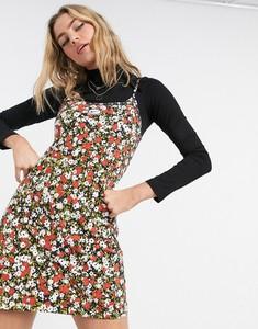 Sukienka Nike z długim rękawem dopasowana