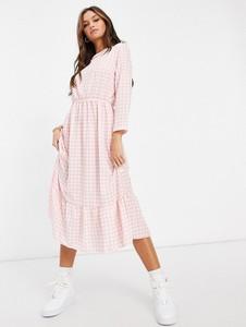 Różowa sukienka I Saw It First z długim rękawem midi