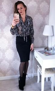 Czarna spódnica modova.pl midi z bawełny