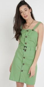 Zielona sukienka born2be w stylu casual z okrągłym dekoltem