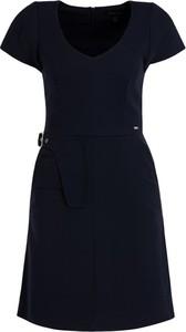 Czarna sukienka Armani Jeans mini w stylu casual