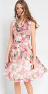 Różowa sukienka ORSAY z szyfonu
