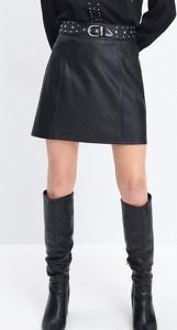 Czarna spódnica Mohito mini