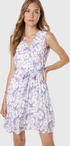 Fioletowa sukienka born2be mini bez rękawów z dekoltem w kształcie litery v