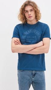 Niebieski t-shirt House