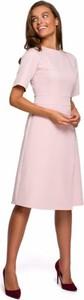Różowa sukienka Style midi