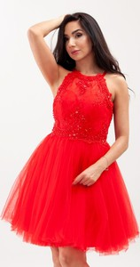 Czerwona sukienka Butik Ecru z dekoltem halter