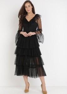 Czarna sukienka born2be z długim rękawem z tiulu
