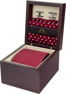 Zestaw ślubny dla mężczyzny klasyczny w kolorze bordowym: krawat + poszetka + spinki zapakowane w pudełko EM 27