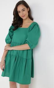 Zielona sukienka born2be oversize w stylu casual z długim rękawem