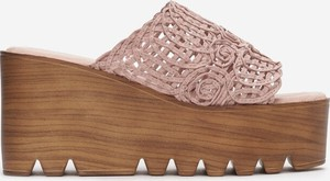 Różowe klapki Multu