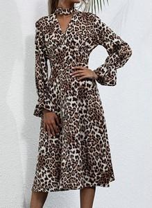 Sukienka Cikelly z dekoltem w kształcie litery v z długim rękawem midi