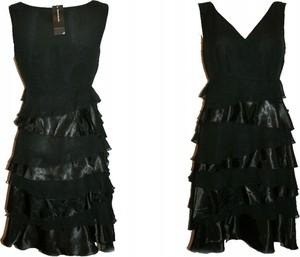 Czarna sukienka Dunnes Stores bez rękawów z dekoltem w kształcie litery v