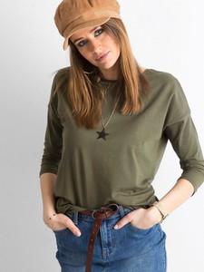 Zielona bluzka Sheandher.pl z okrągłym dekoltem w stylu casual
