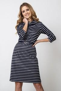 Granatowa sukienka QUIOSQUE z golfem z długim rękawem