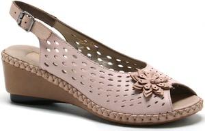 Różowe sandały Rieker na niskim obcasie