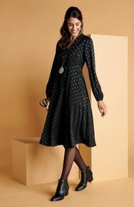 Czarna sukienka Cellbes z dekoltem w kształcie litery v w stylu casual z długim rękawem