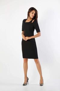 Czarna sukienka Nommo dopasowana midi
