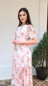 Sukienka Justmelove maxi z okrągłym dekoltem