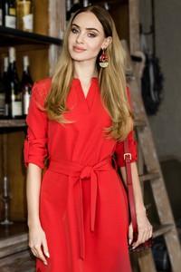 Czerwona sukienka MOE midi w stylu casual koszulowa