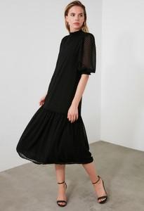 Sukienka Trendyol w stylu casual midi