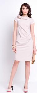 Różowa sukienka sukienki.pl z dekoltem woda