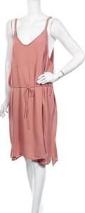 Różowa sukienka Violeta By Mango