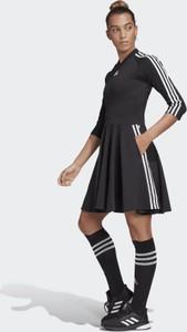 Sukienki Adidas, kolekcja wiosna 2020