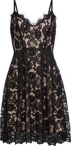 Sukienka bonprix BODYFLIRT z dekoltem w kształcie litery v