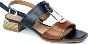 Granatowe sandały Caprice w stylu casual ze skóry