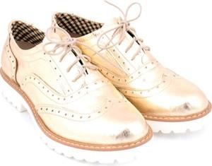 Półbuty Zapato z płaską podeszwą sznurowane