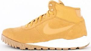 Żółte buty zimowe Nike sznurowane