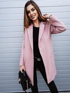 Różowy płaszcz butiklatika.pl w stylu casual z wełny