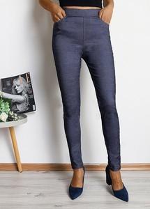 Niebieskie legginsy Royalfashion.pl z jeansu